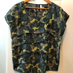 Blouse - Kensie- Size small